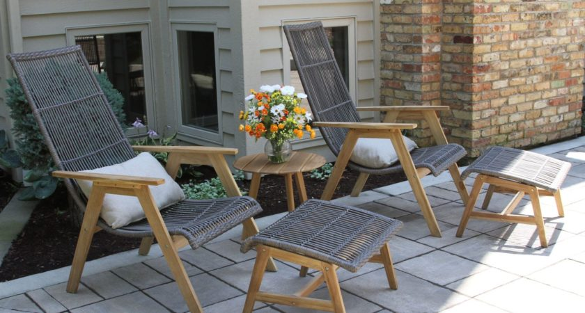 How To Find The Great Variety Of Wood Loungers?